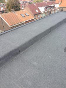 Platte daken met oversteek